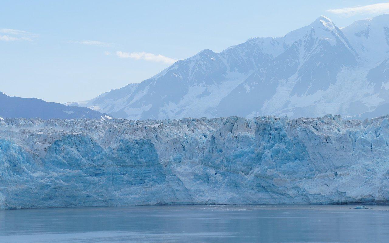 AWAYN IMAGE Hubbard Glacier