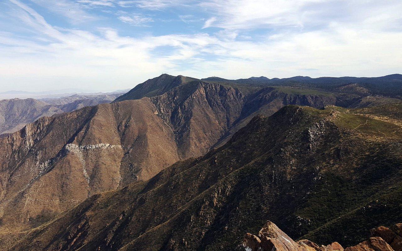 AWAYN IMAGE Garnet Peak Trail Hike