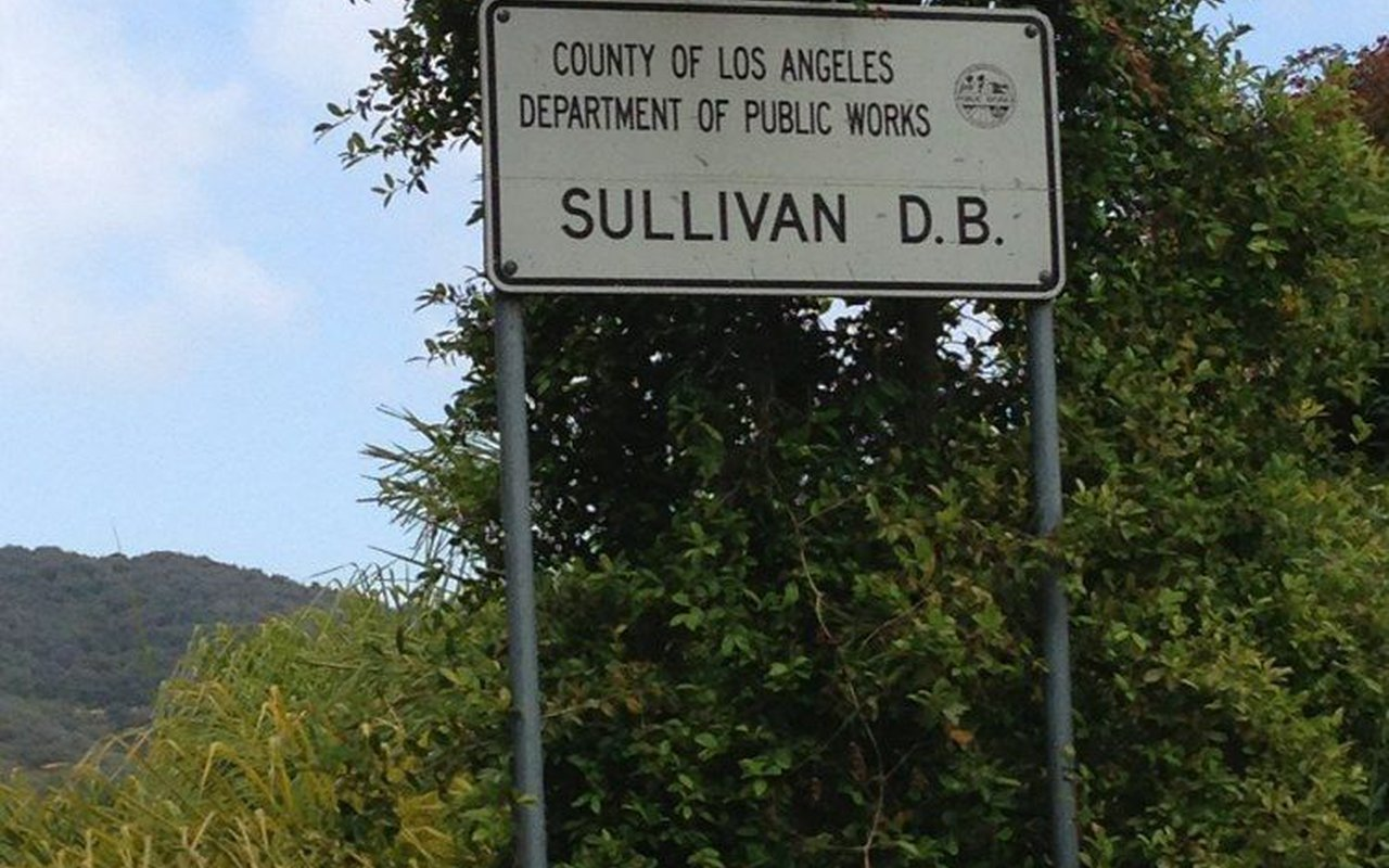 AWAYN IMAGE Sullivan Canyon Trail