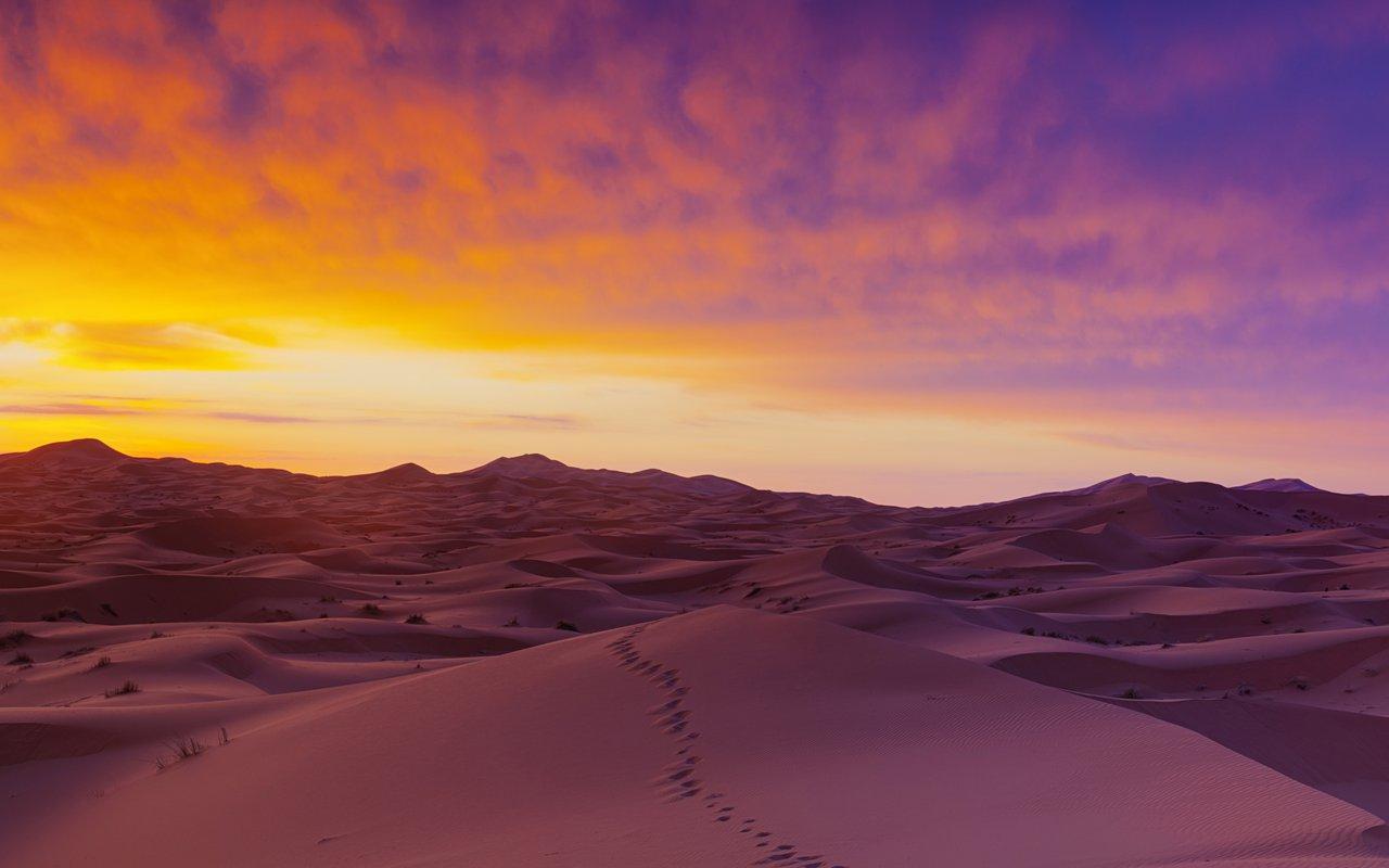 AWAYN IMAGE Sun Rise in the Desert of Morocco