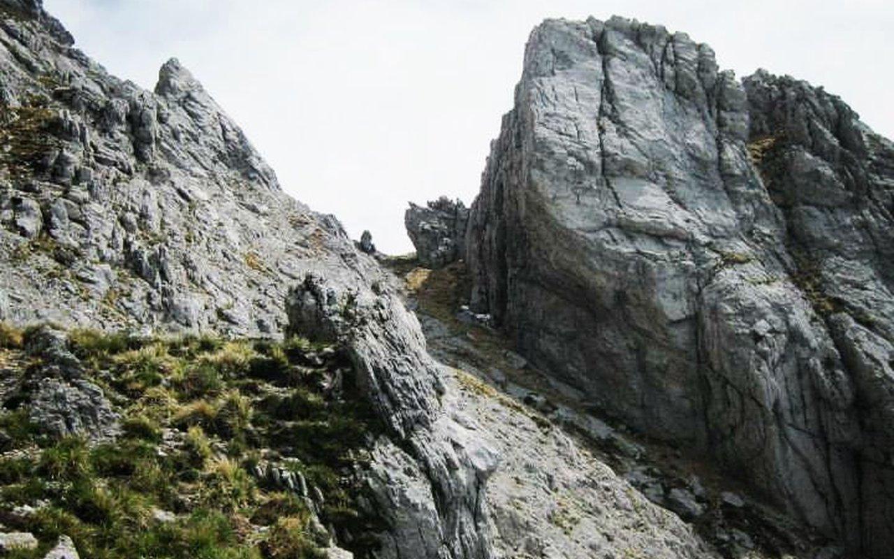 AWAYN IMAGE Climbing in Monte Sagro