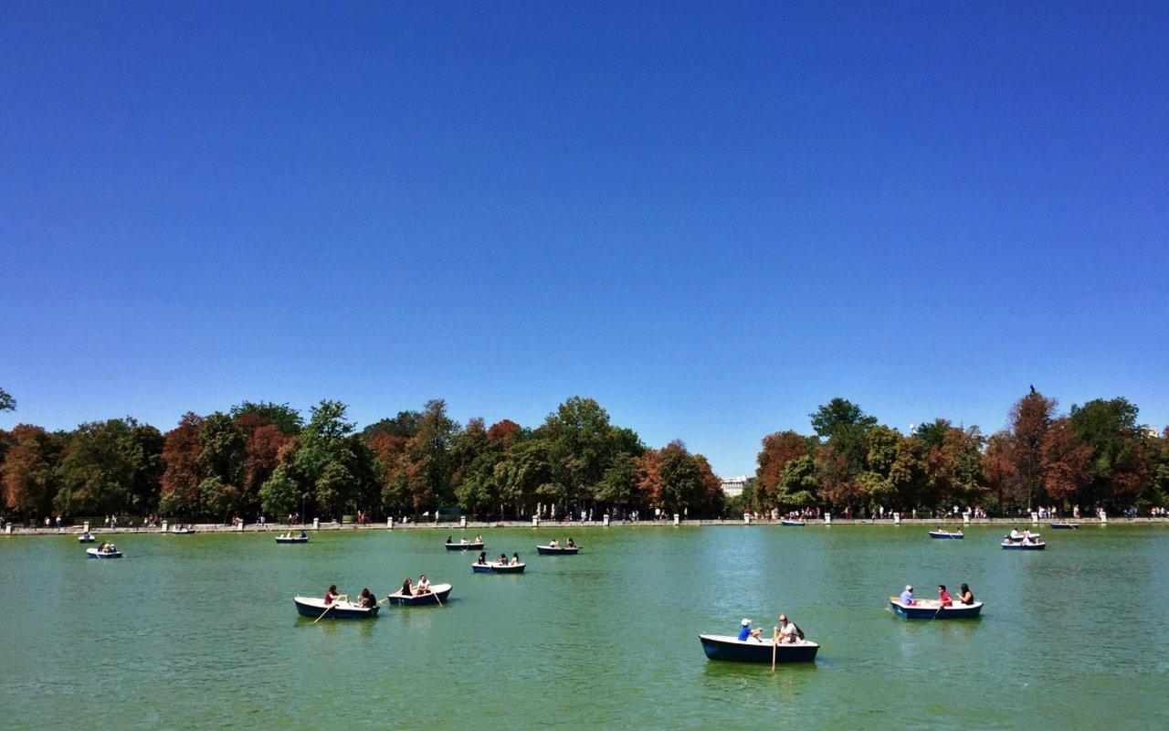 AWAYN IMAGE Parque del Retiro Chill