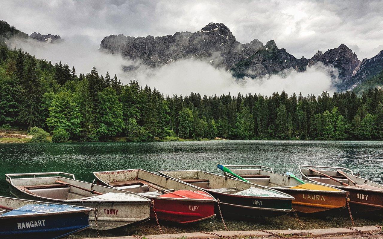 AWAYN IMAGE Biking Lago di Fusine Superiore