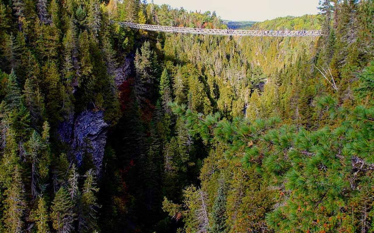 AWAYN IMAGE Hike to Canyon Des Portes De L'enfer