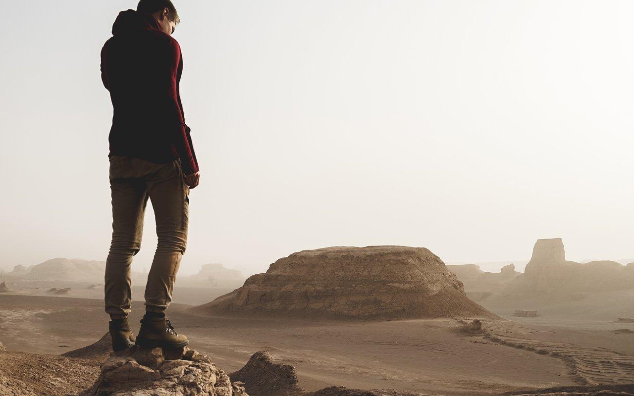 AWAYN IMAGE The Kaluts Desert