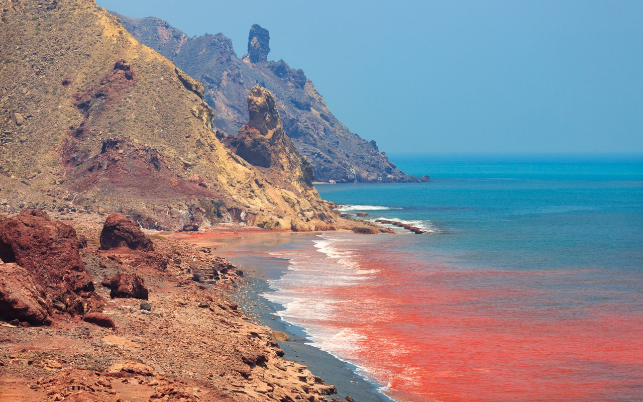 AWAYN IMAGE Red beach Hormuz