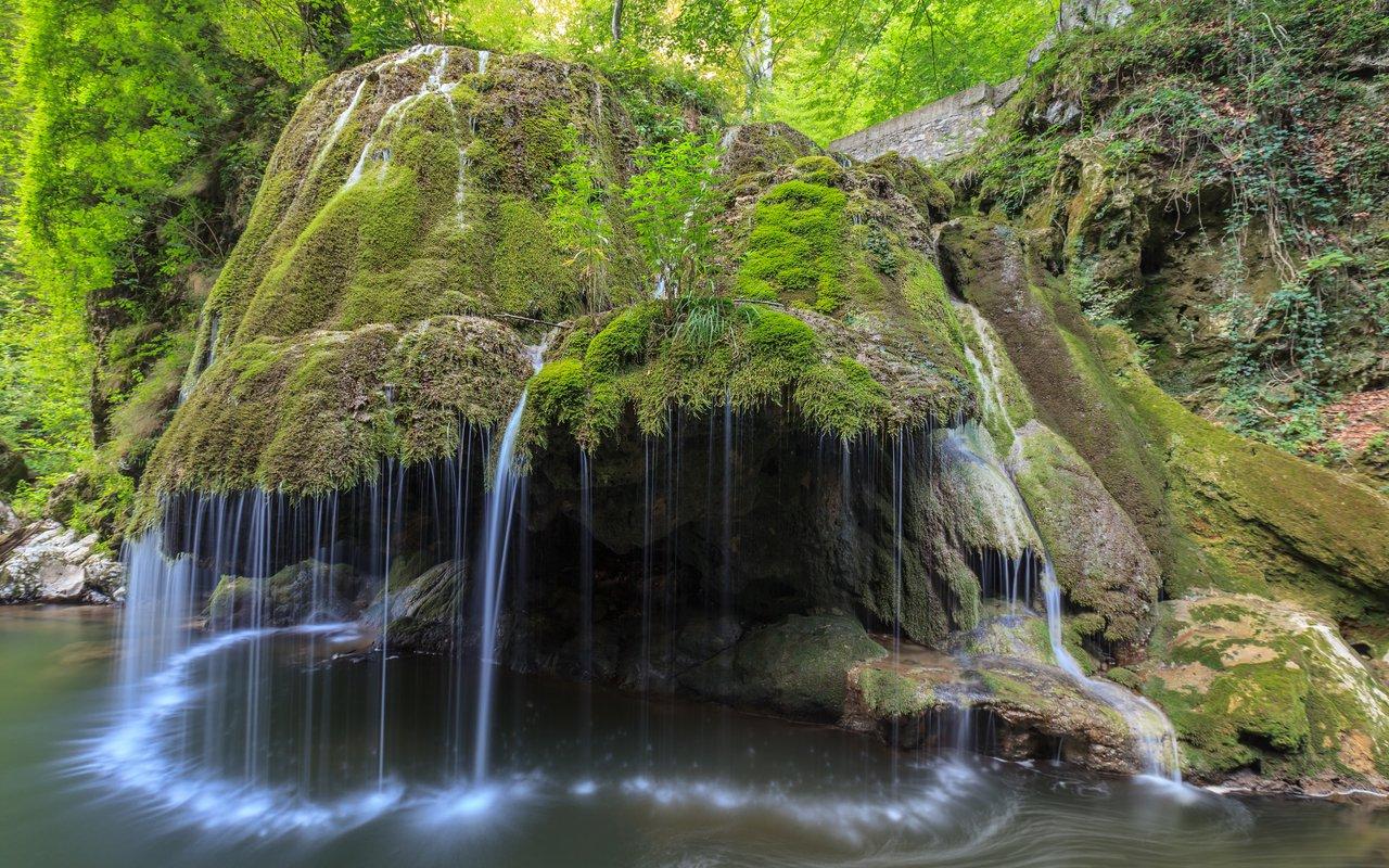 AWAYN IMAGE Cheile Nerei-Beusnita National Park