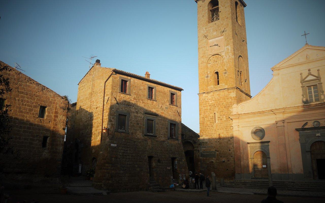 AWAYN IMAGE Visit Civita di Bagnoregio