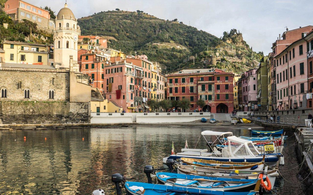 AWAYN IMAGE Genoa