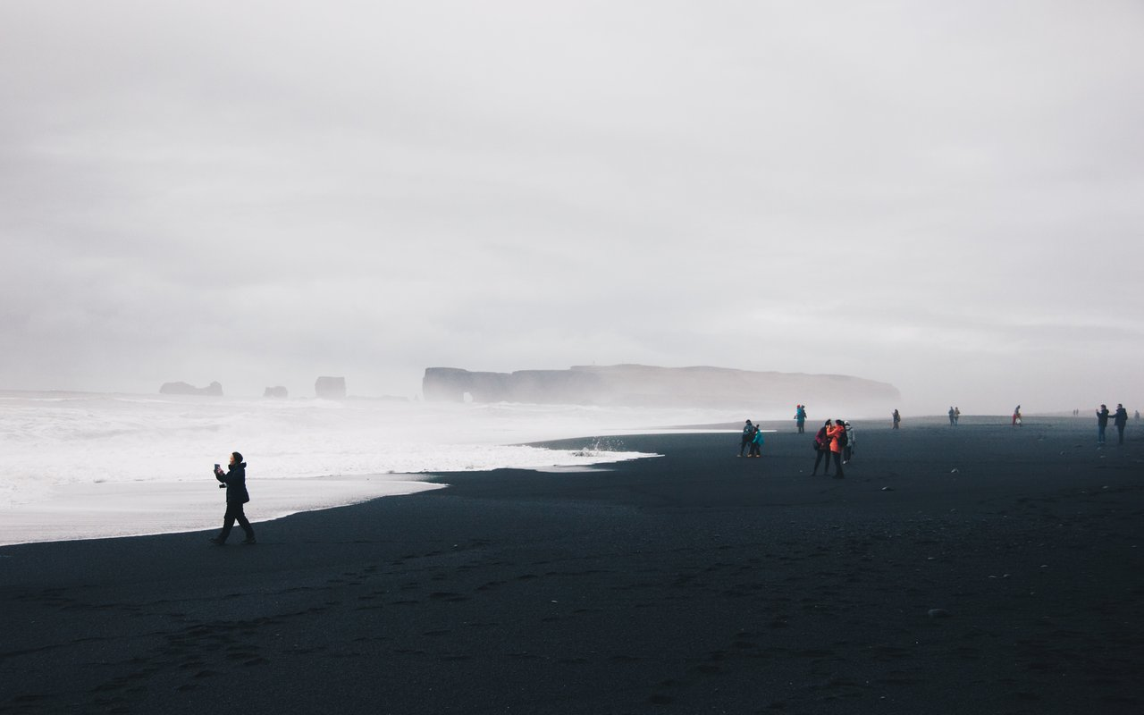 AWAYN IMAGE Walk in Reynisfjara Beach