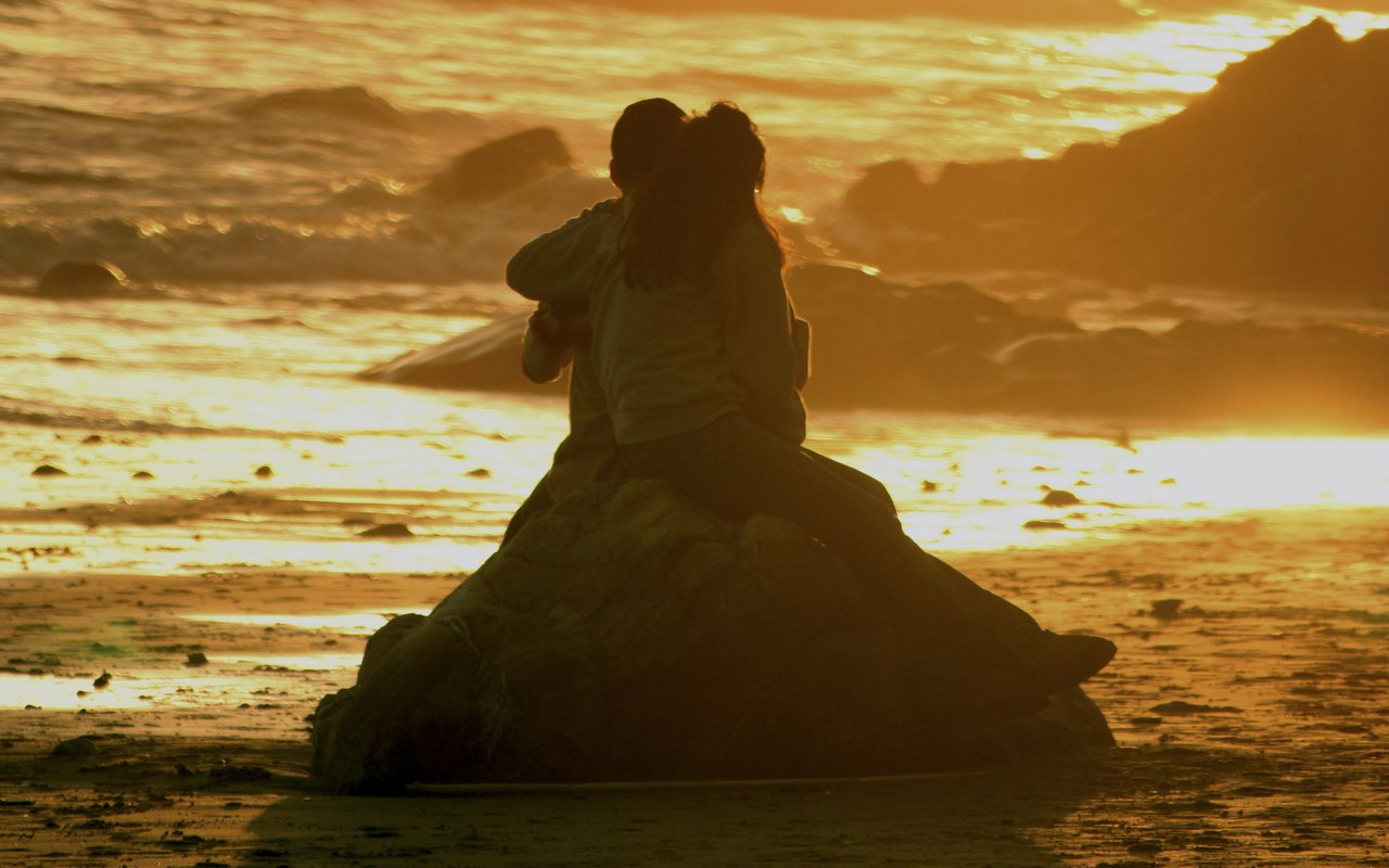 AWAYN IMAGE Catch a sunset at Arroyo Burro Beach