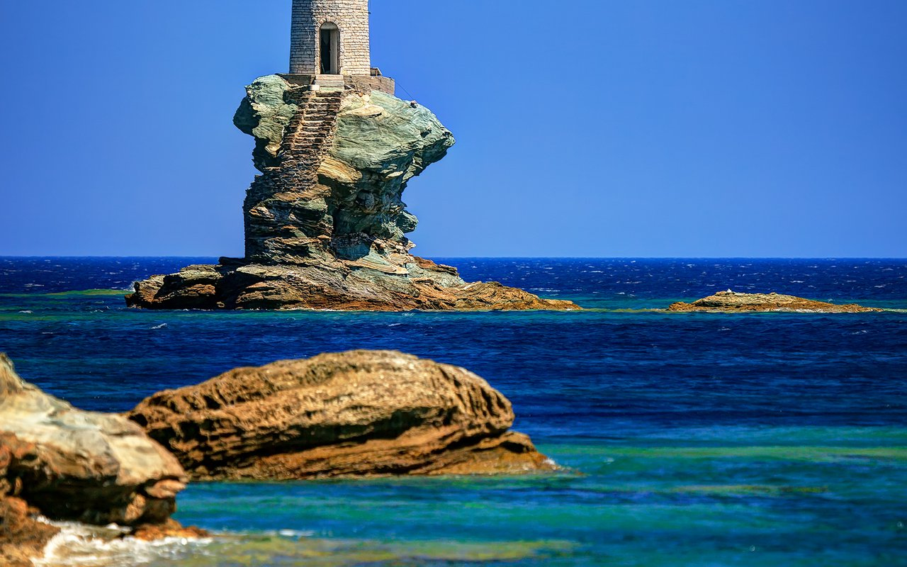 AWAYN IMAGE Faro Tourlitis Φάρος Τουρλίτης Tourlitis Lighthouse