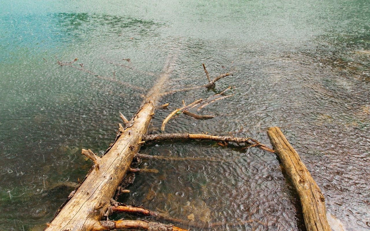 AWAYN IMAGE Hike to Baker Lake/Johnson Lake Trail
