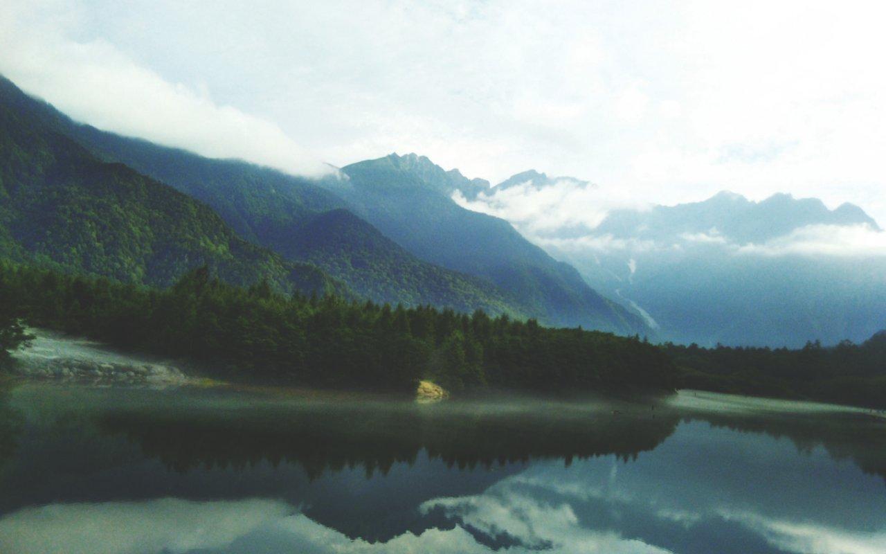 AWAYN IMAGE Hike in majestic Kamikochi