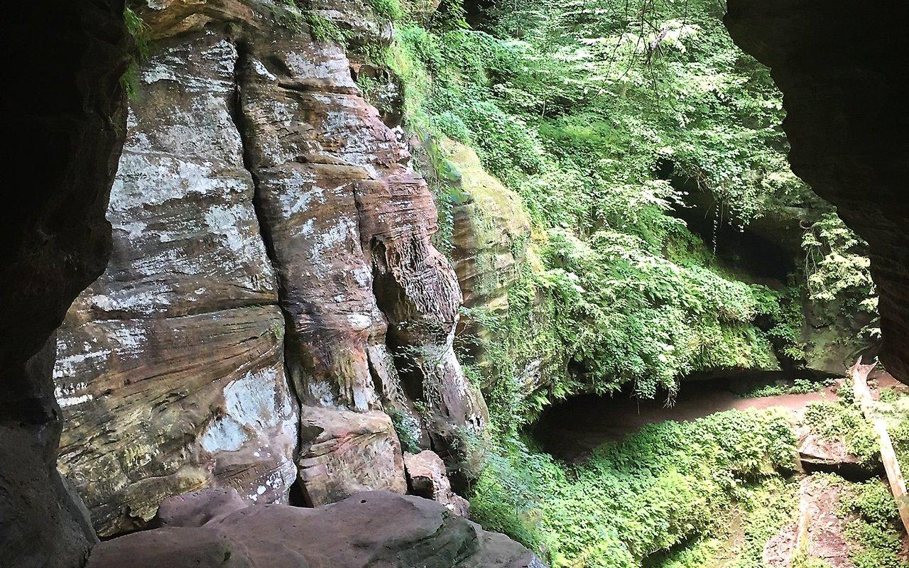 AWAYN IMAGE Rock House Trail