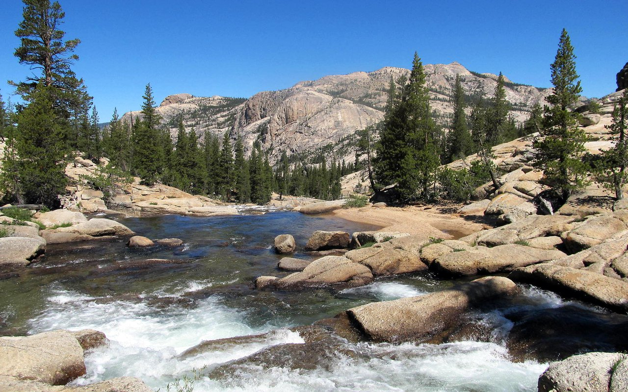 AWAYN IMAGE Hike Tuolumne Meadows to Glen Aulin High Sierra Camp