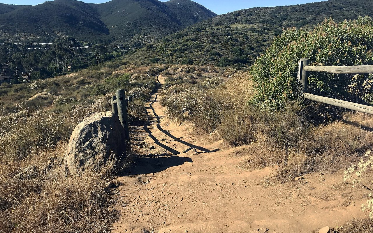 AWAYN IMAGE Hike in Kwaay Paay Trail and Summit