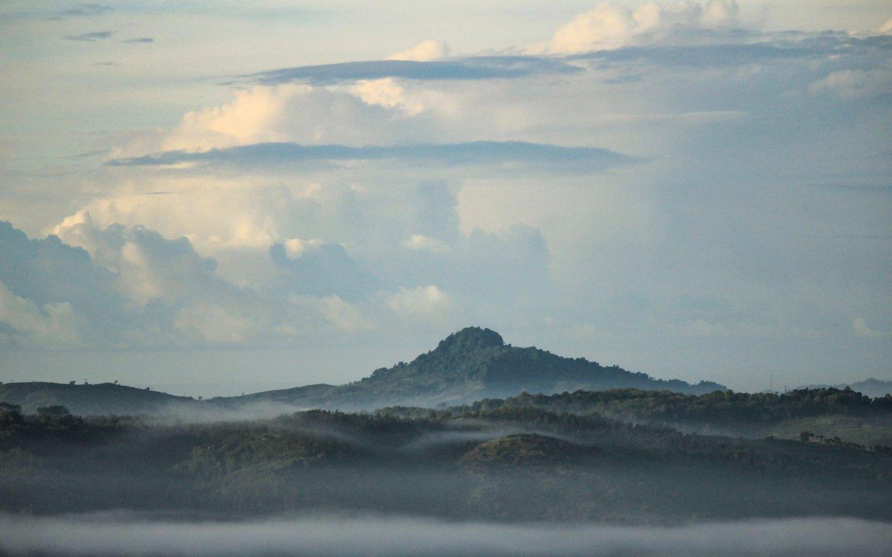 AWAYN IMAGE Ijen Crater-Indonesian Volcano Lava East Java
