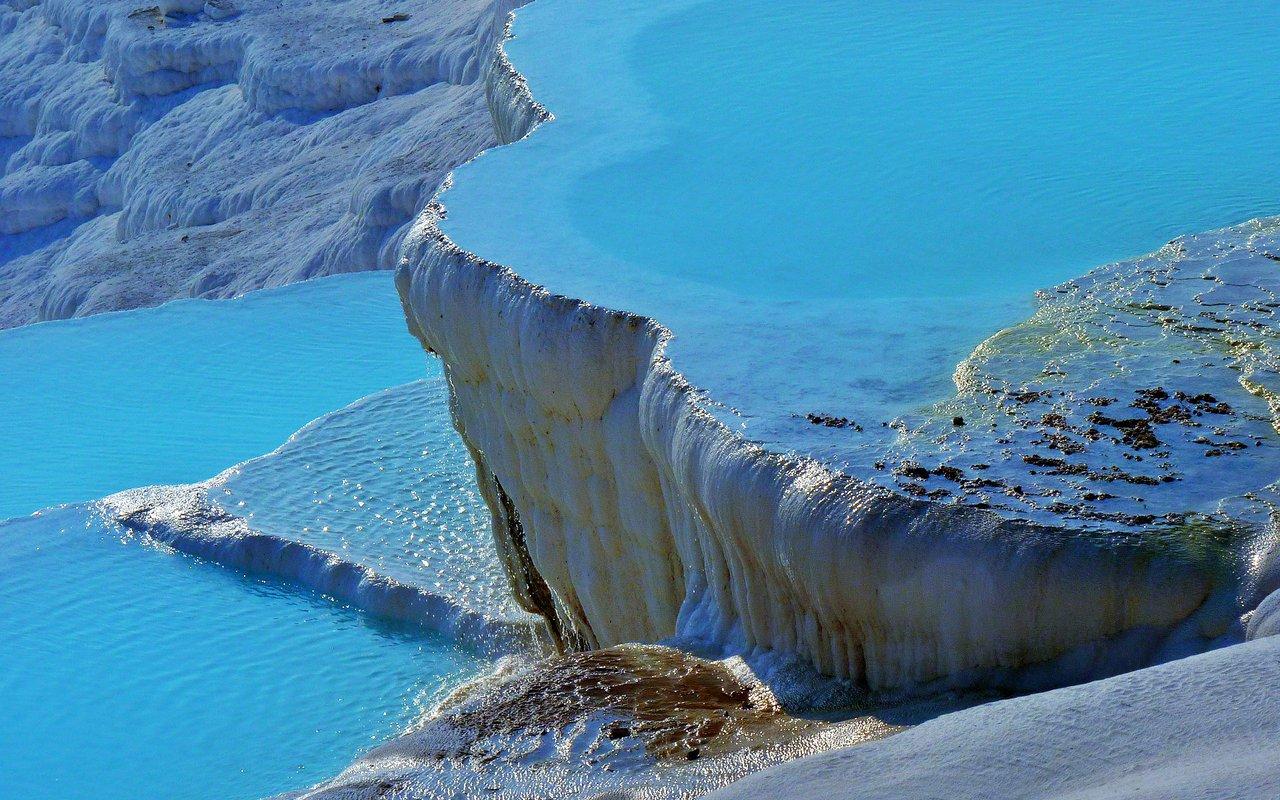 AWAYN IMAGE Swim in Pamukkale Thermal Pools