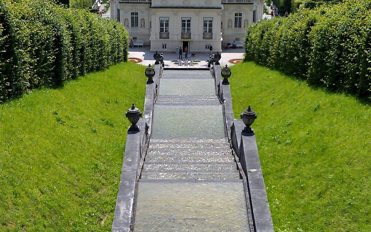 AWAYN IMAGE Linderhof Palace