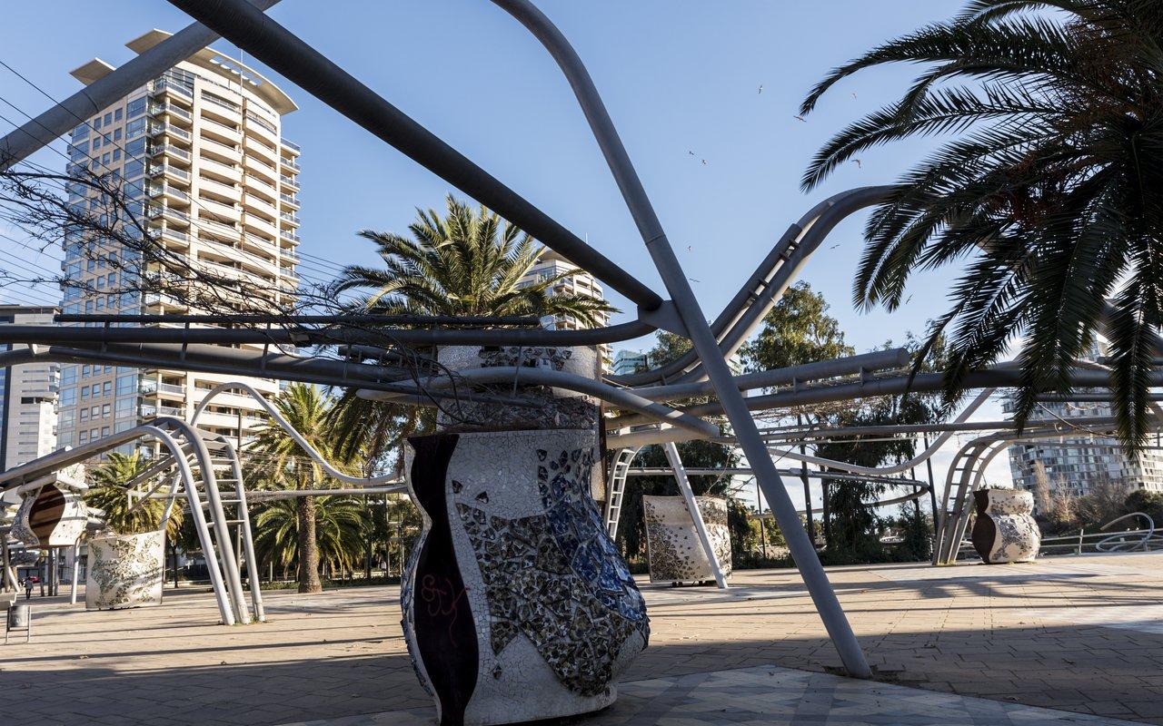 AWAYN IMAGE Walk aroun Parc Diagonal Mar