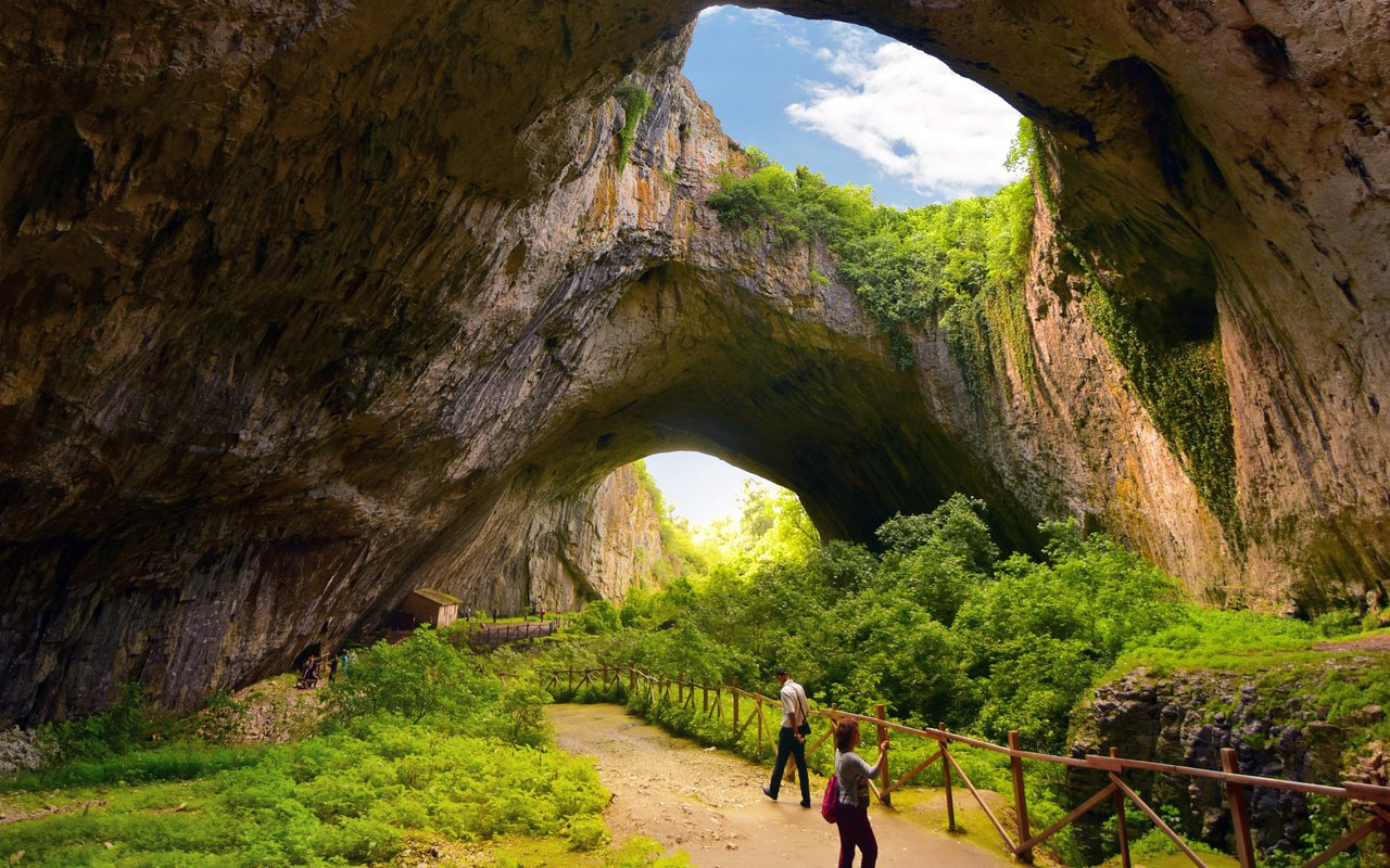 AWAYN IMAGE Devetashka cave