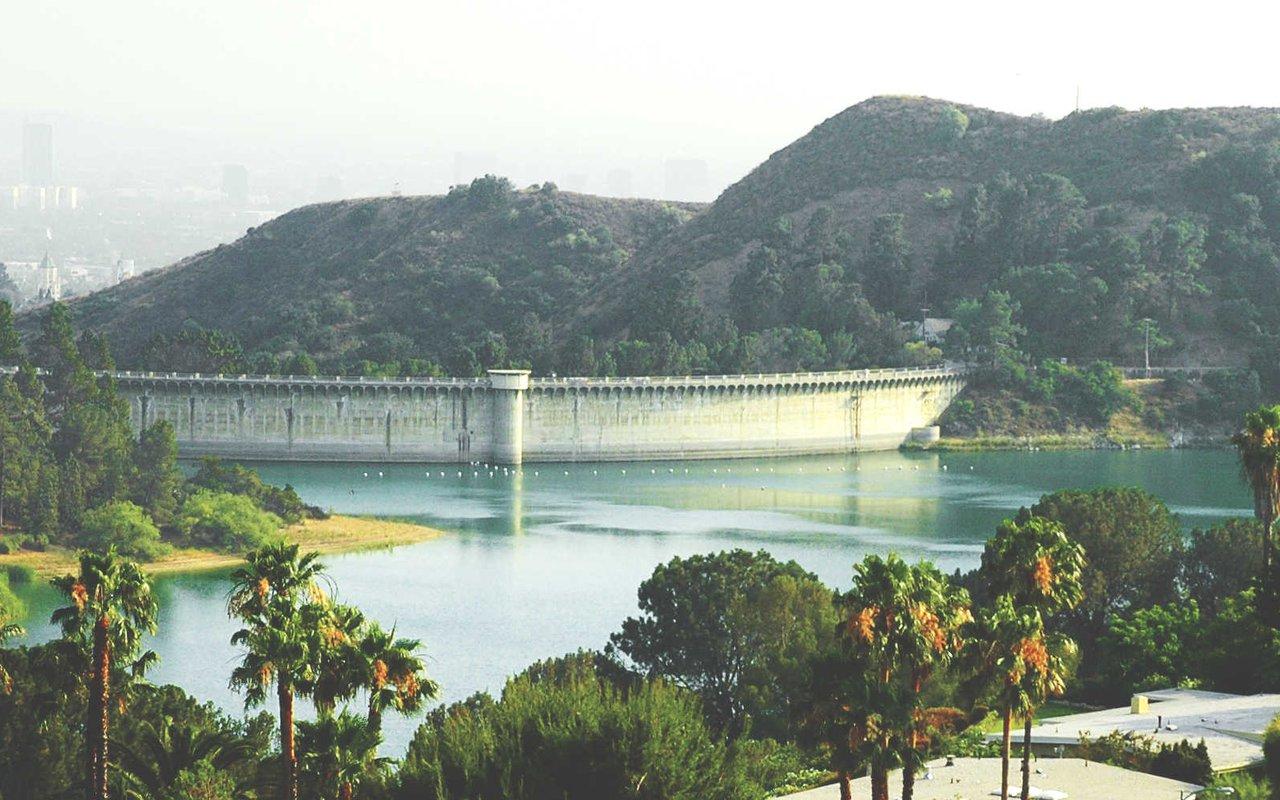 AWAYN IMAGE Lake Hollywood Reservoir