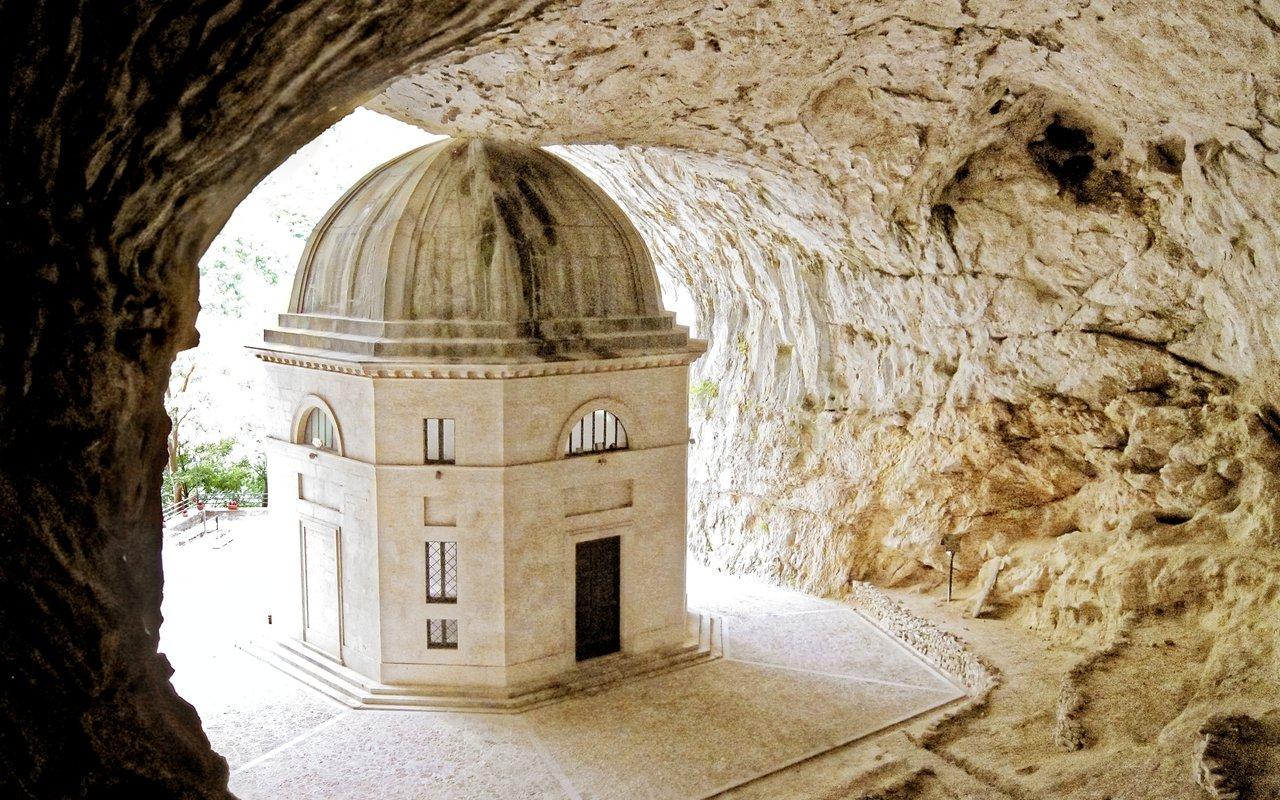 AWAYN IMAGE Photograph Tempio del Valadier Sanctuary
