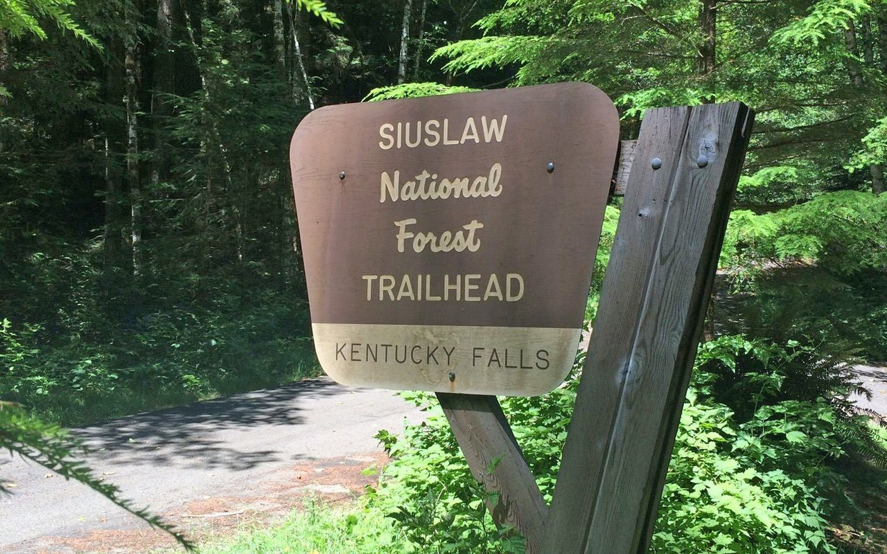 AWAYN IMAGE Kentucky Falls Trail