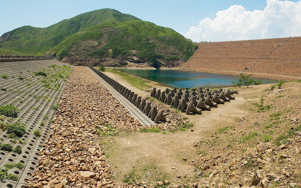 AWAYN IMAGE East Dam, High Island Reservoir