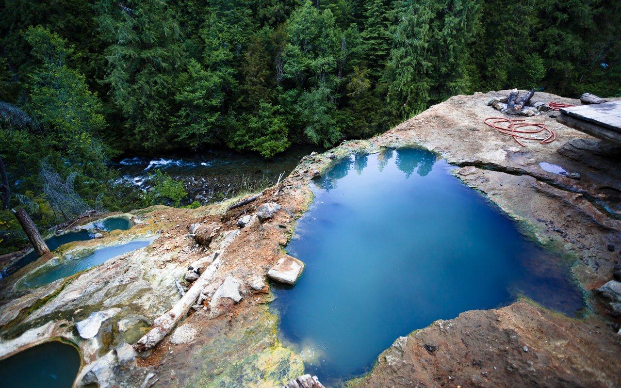 AWAYN IMAGE Umpqua Hot Springs Trail