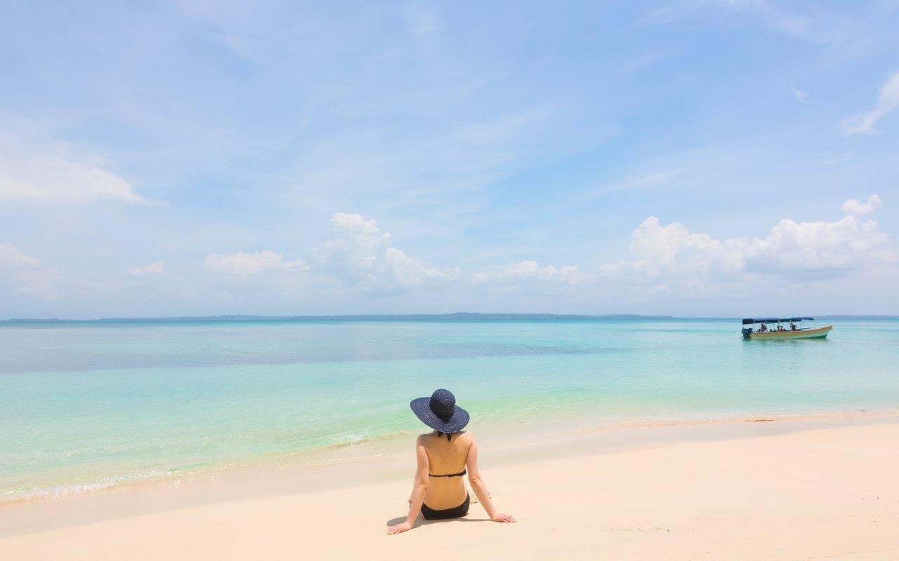 AWAYN IMAGE Spend a day in Toro Beach