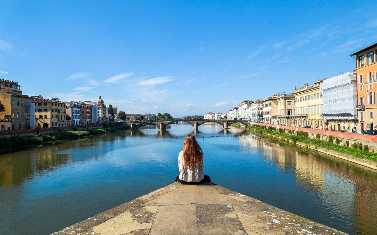 AWAYN IMAGE Walk around Ponte Vecchio Bridge