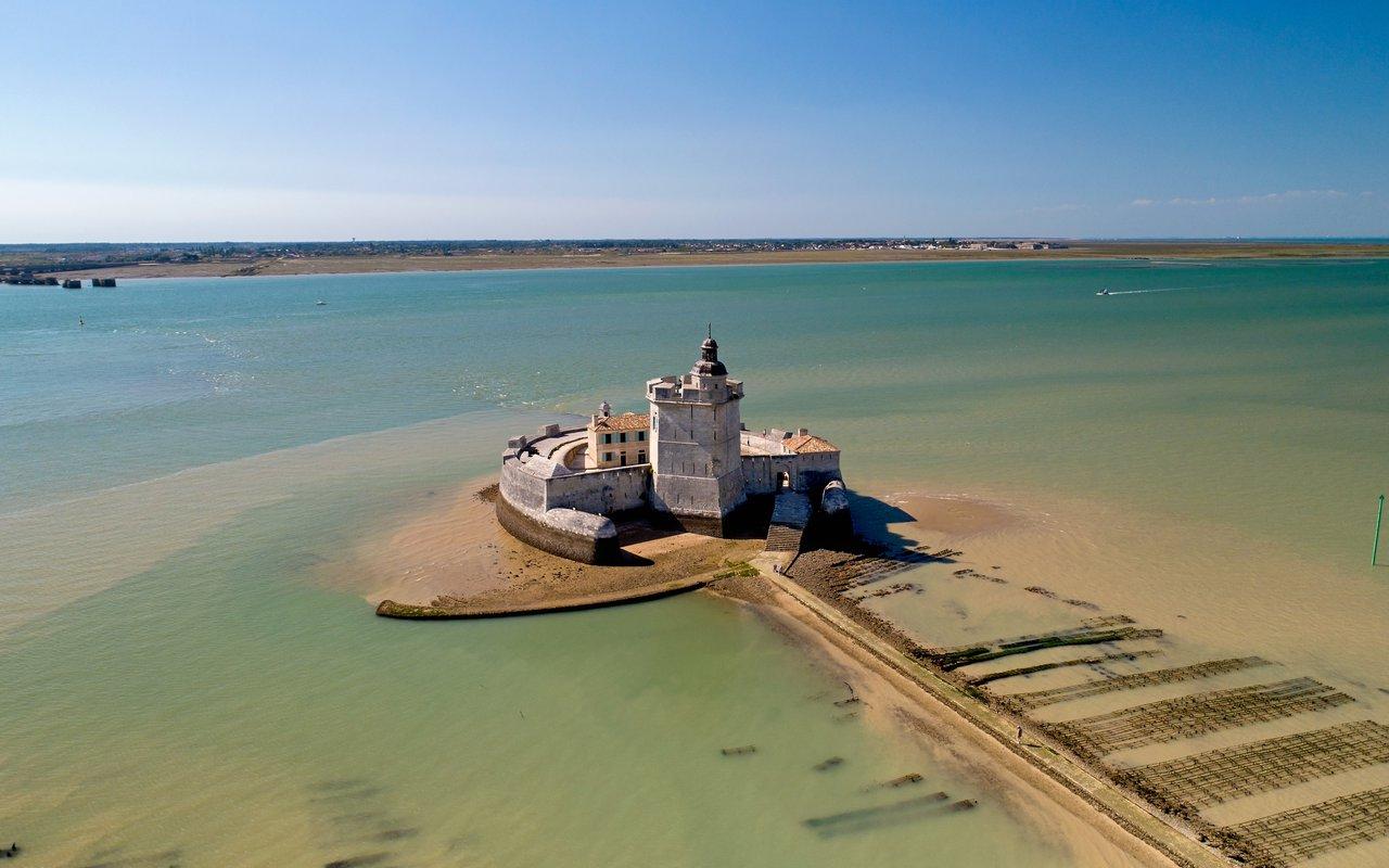 AWAYN IMAGE Explore around the Fort Louvois