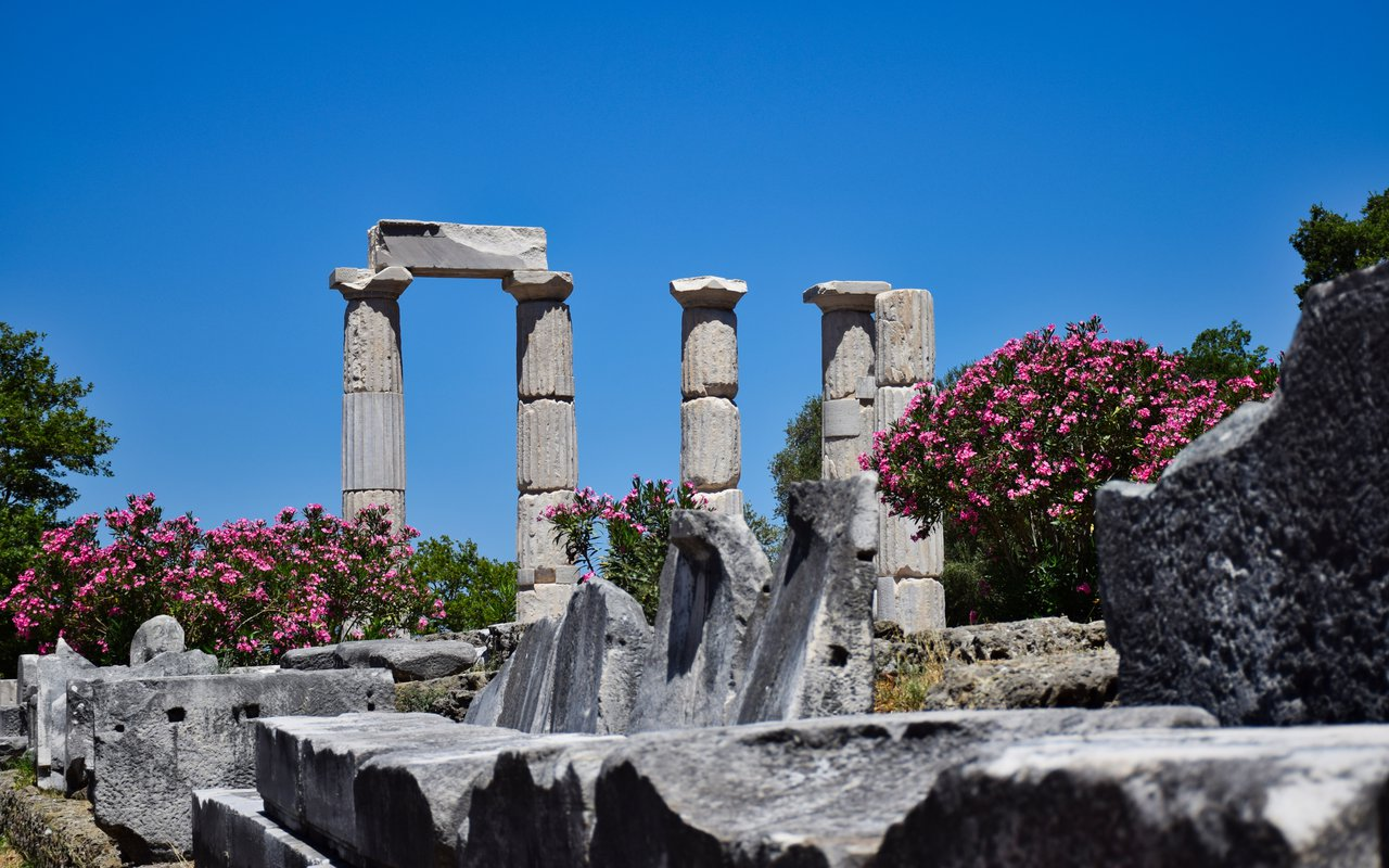 AWAYN IMAGE The Sanctuary of the Great Gods – inspiration for your Nike shoes