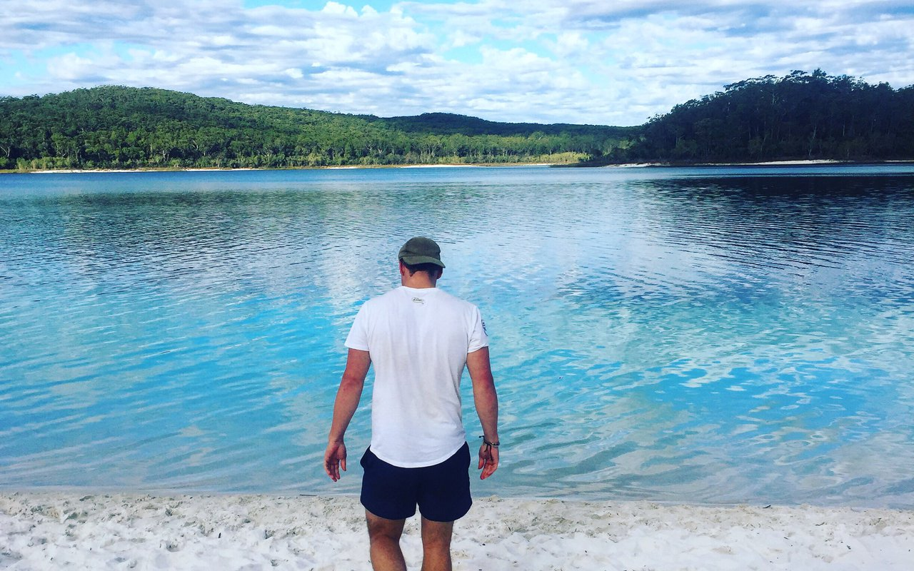 AWAYN IMAGE Experience the freshwater of Lake McKenzie