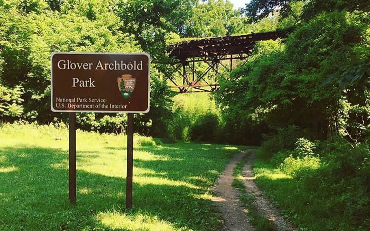 AWAYN IMAGE Glover-Archbold Park Trail