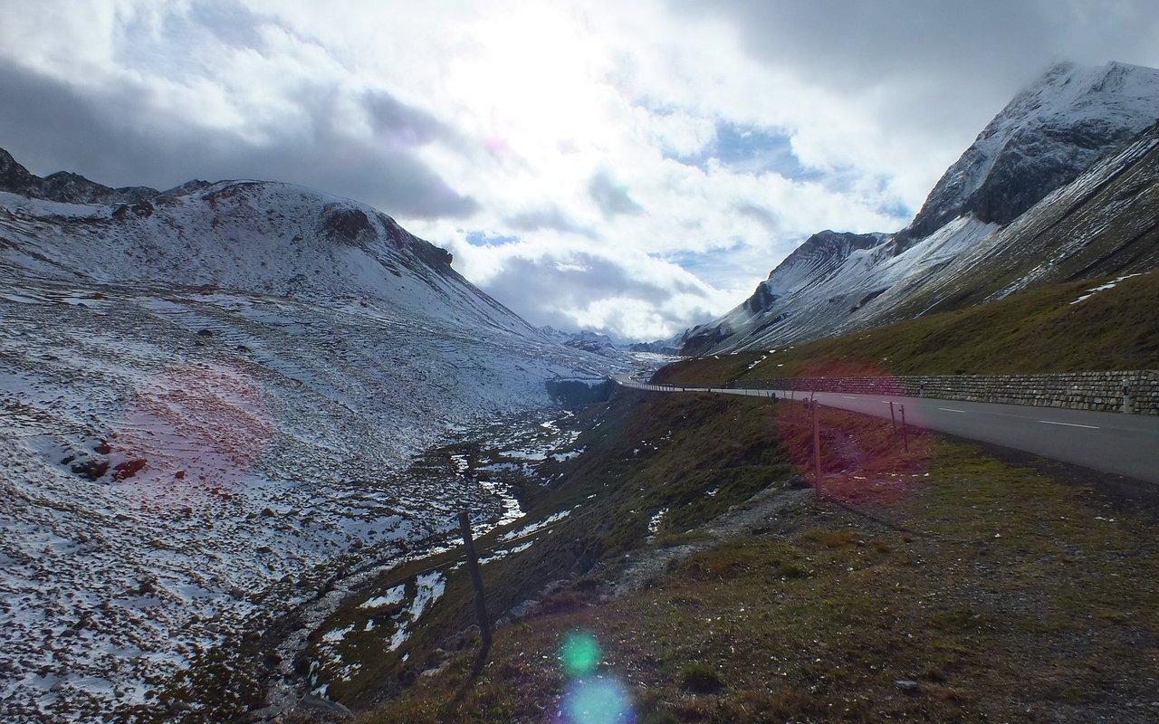 AWAYN IMAGE Albula pass