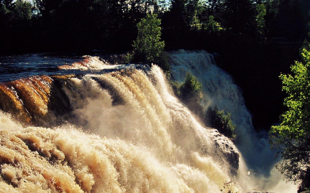 AWAYN IMAGE Kakabeka Falls
