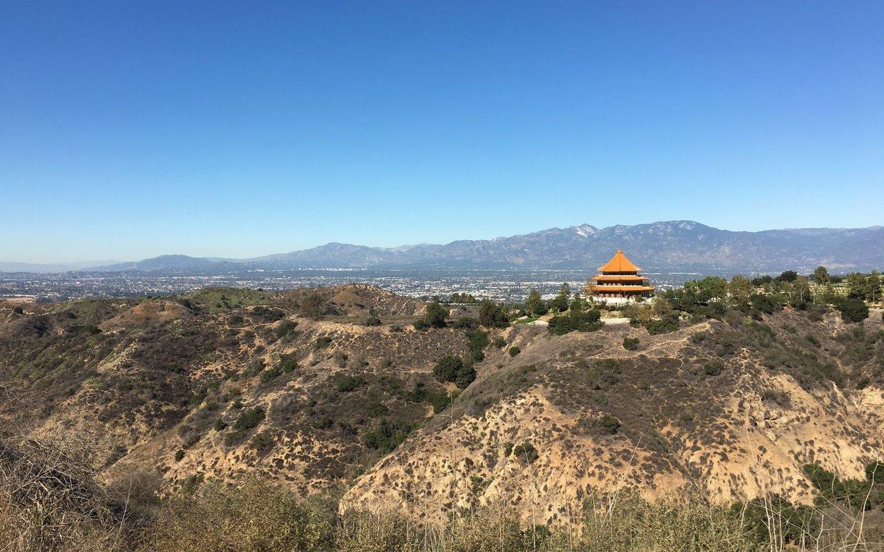 AWAYN IMAGE Hellman Park Trails: Run+Hike