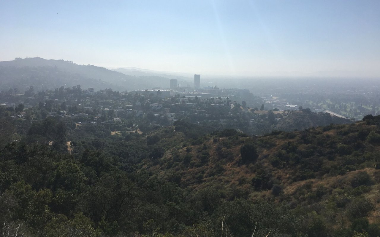 AWAYN IMAGE Hollywood sign Cahuenga Peak Loop