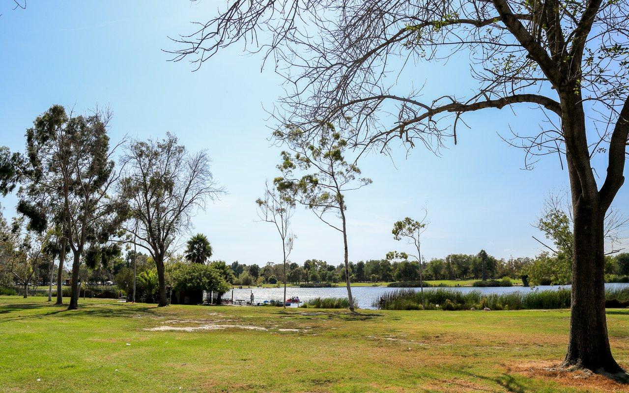 AWAYN IMAGE El Dorado Park Nature Trail