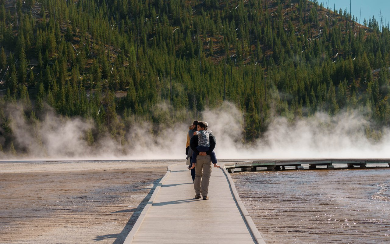AWAYN IMAGE Visit to Grand Prismatic Spring
