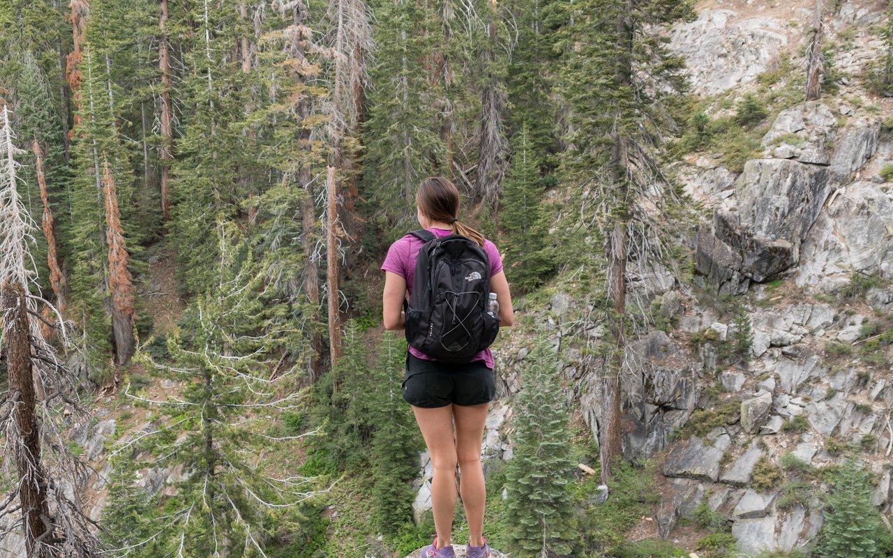 AWAYN IMAGE Hike to Huntington Lake
