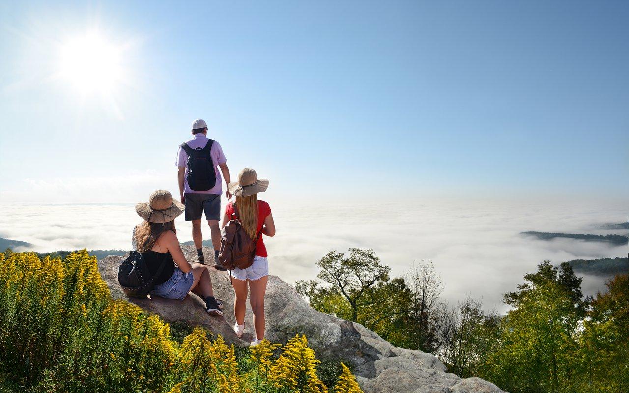 AWAYN IMAGE Hiking to Tanawha Trail at Rough Ridge  Blowing Rock