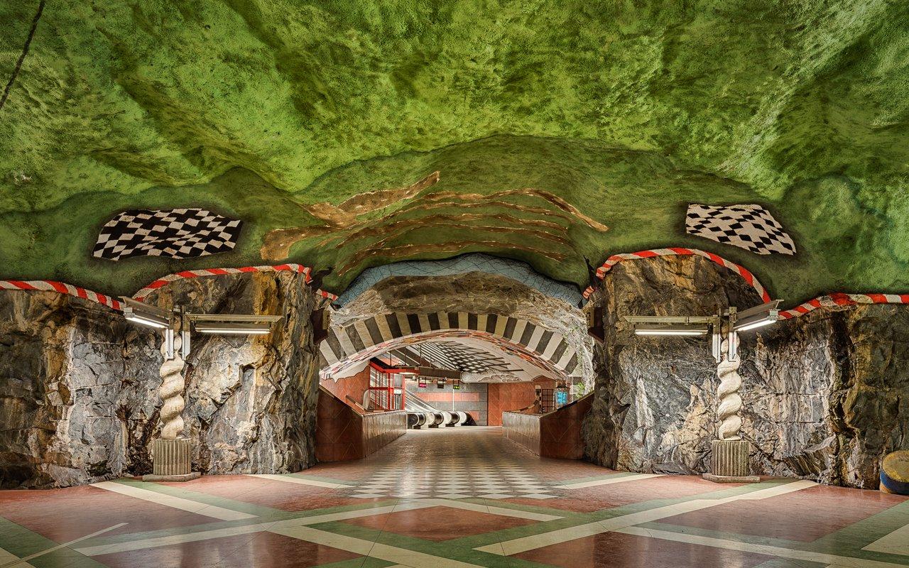 AWAYN IMAGE Visit Kungsträdgården metro station