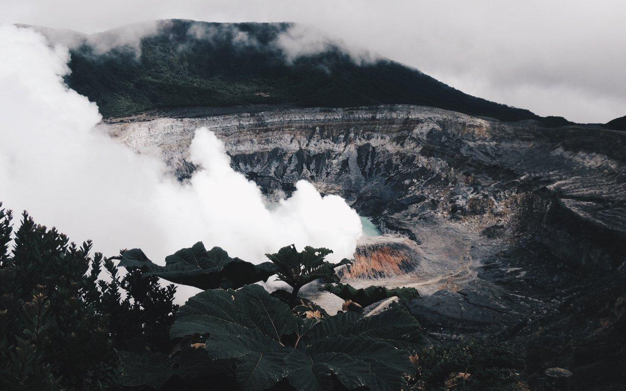 AWAYN IMAGE Poás Volcano, Costa Rica