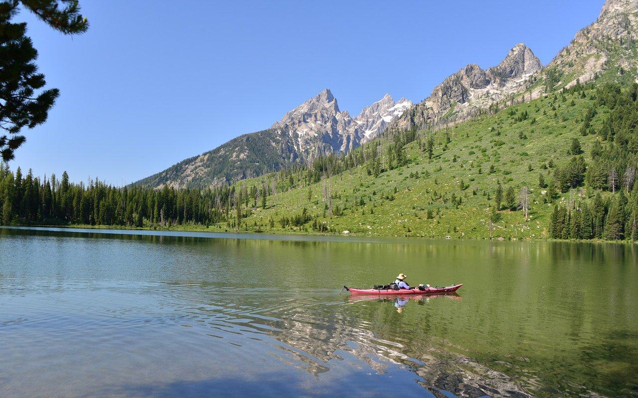 AWAYN IMAGE String Lake Kayaking and Canoeing