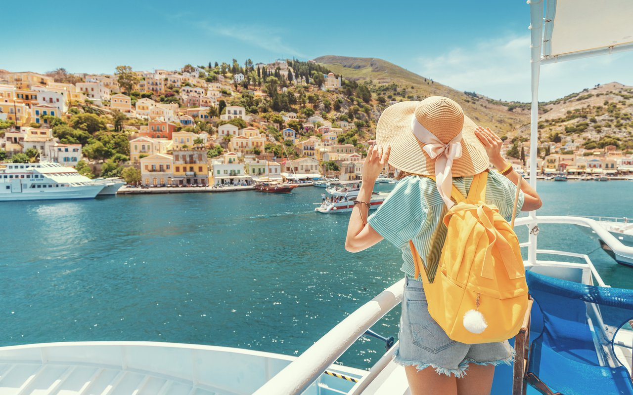 AWAYN IMAGE The colorful beauty of Symi Harbour