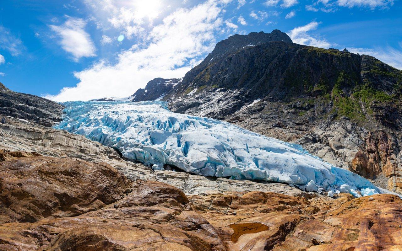 AWAYN IMAGE Visit The Svartisen Glacier Austerdalsisen
